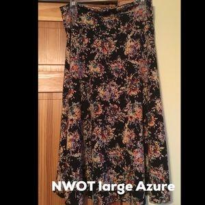 Lularoe Azure. large. NWOT. Floral